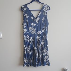 NWT Banana Republic Factory Floral Dress